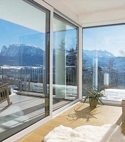 Finstral finestre pvc alluminio legno verande icos - Finestre pvc venezia ...